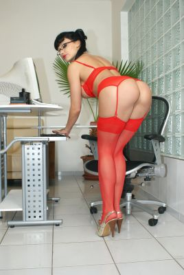 Aletta Ocean's erotic picture set'
